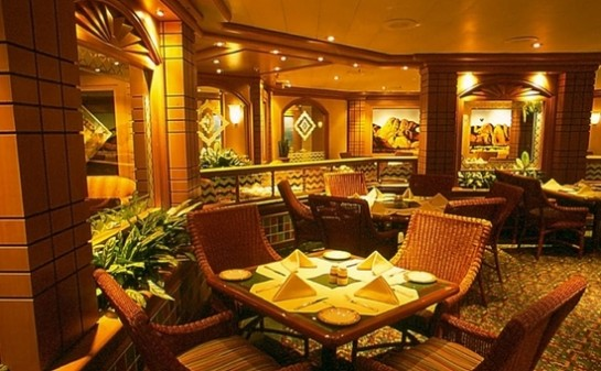 Interior Barco Island Princess