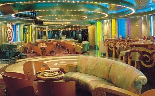 Interior Barco Carnival Imagination