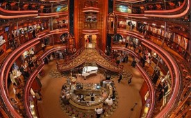 Barco Carnival Elation