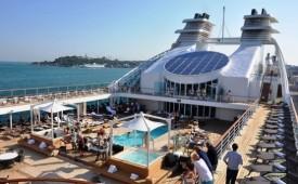 Barco SeaBourn Odyssey