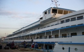 Barco MS Leonid Krasin