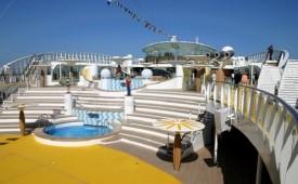Barco AIDAbella