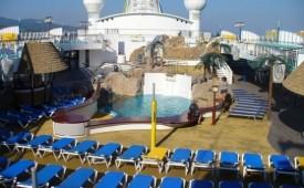 Barco AIDAvita