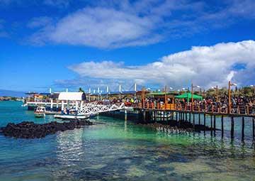 crucero por Puerto Ayora