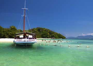 crucero por Angra dos Reis (Brasil)