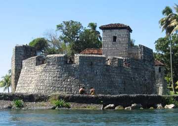 crucero por Santo Tomás de Castilla